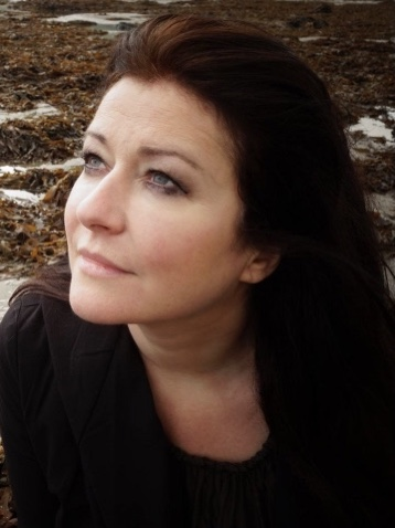 Carolyn Dobbin